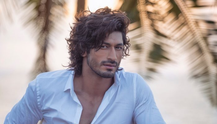 Top 5 Fitness Videos By Vidyut Jammwal